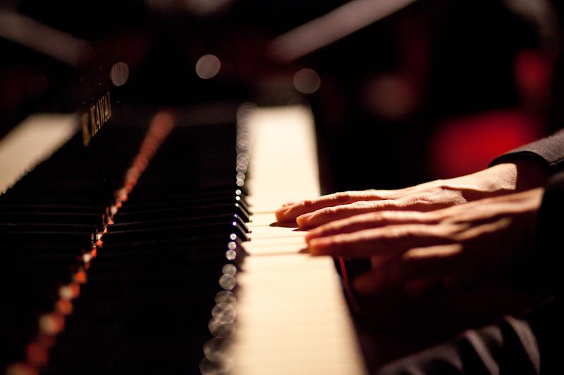 Manos al piano en Berklee Valencia