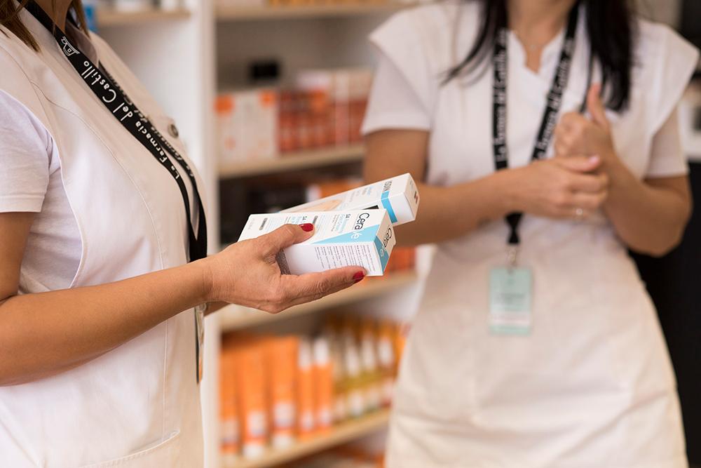 mostrando productos de la farmacia del castillo