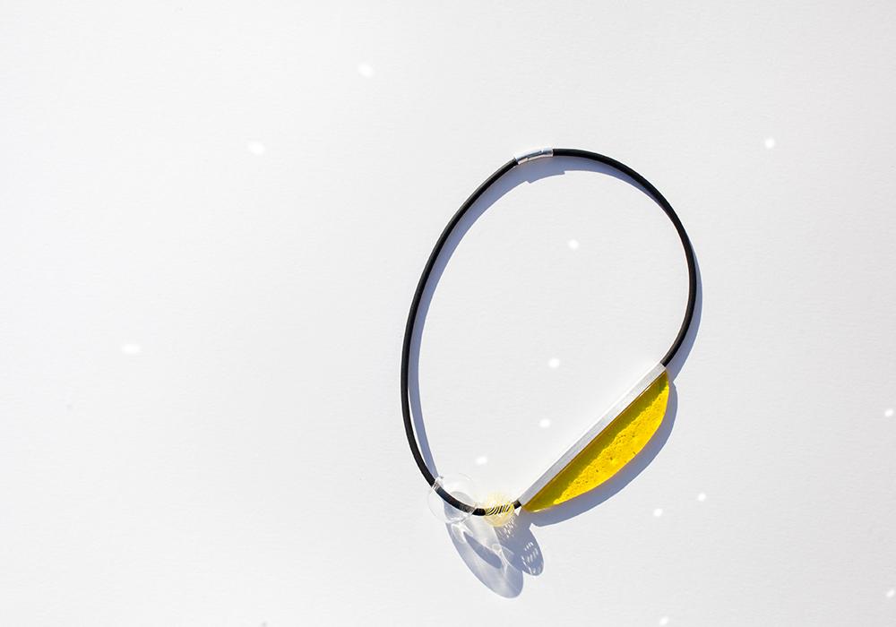 Colgante de cristal en amarillo